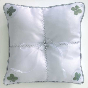 four leaf clover wedding ring pillow